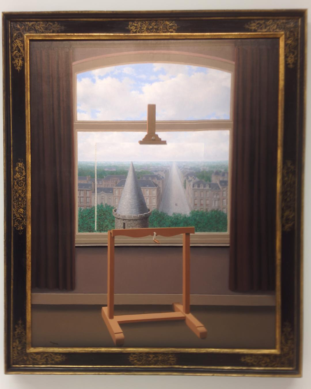 13 The Magritte retrospective that opened yesterday at Centre Pompidouhellip